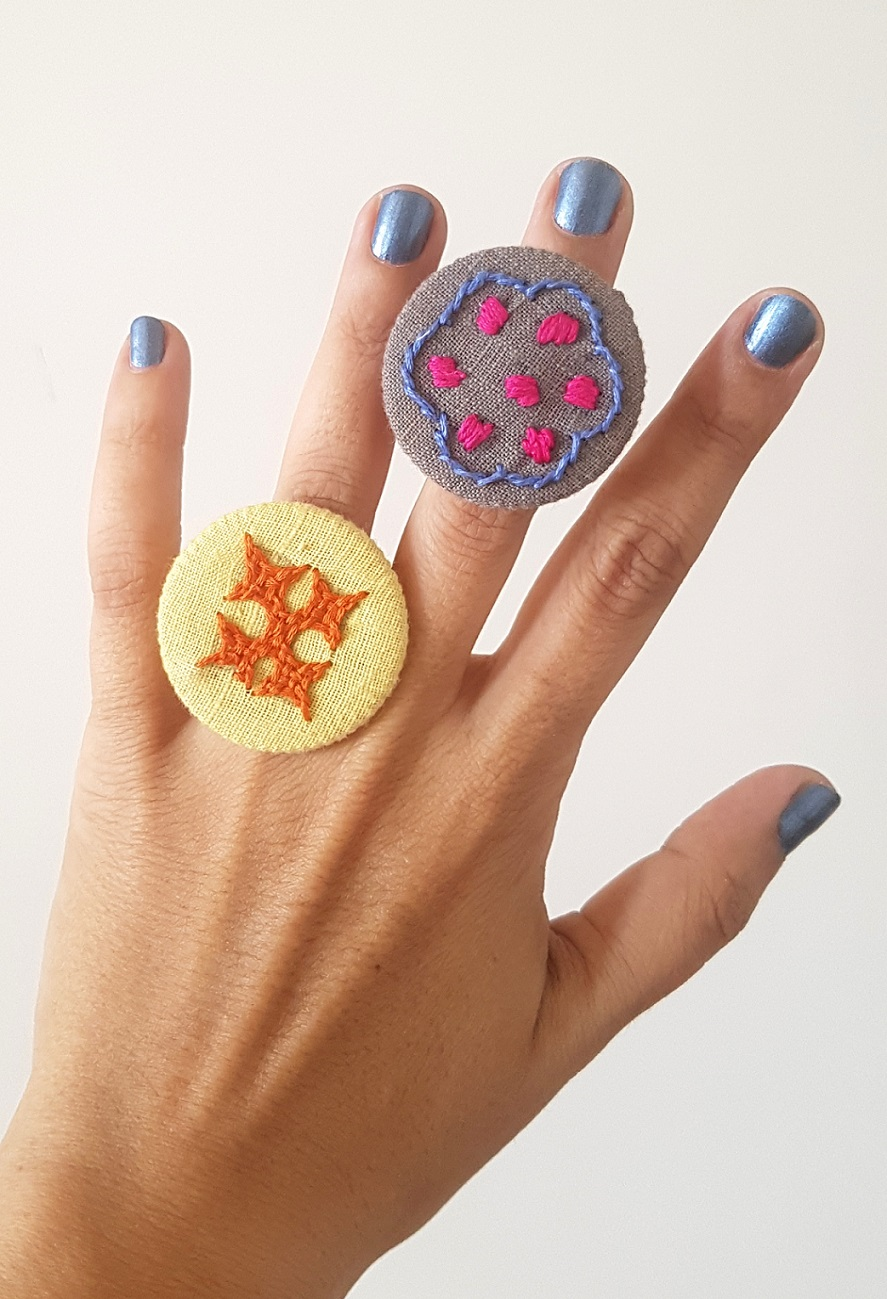 Hand Embroidered Rings in Organic Cotton - Set 11