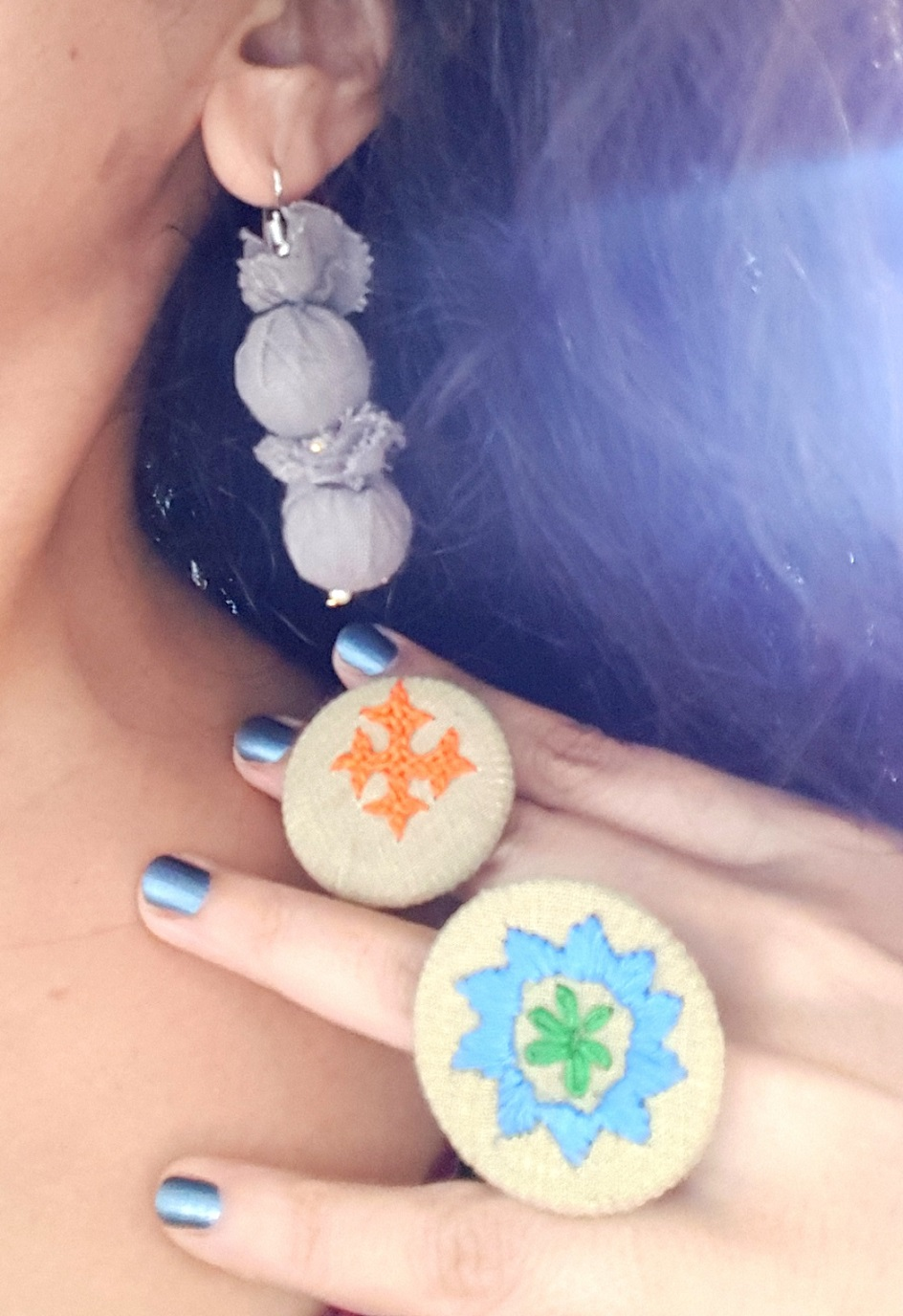 Hand Embroidered Rings and Earrings in Organic Cotton - Set 21