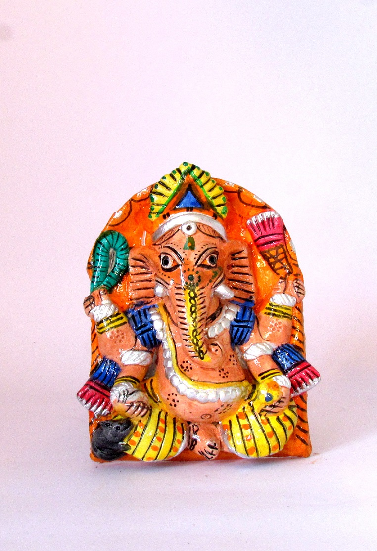 Handcarved & Handpainted Clay Ganapati 3