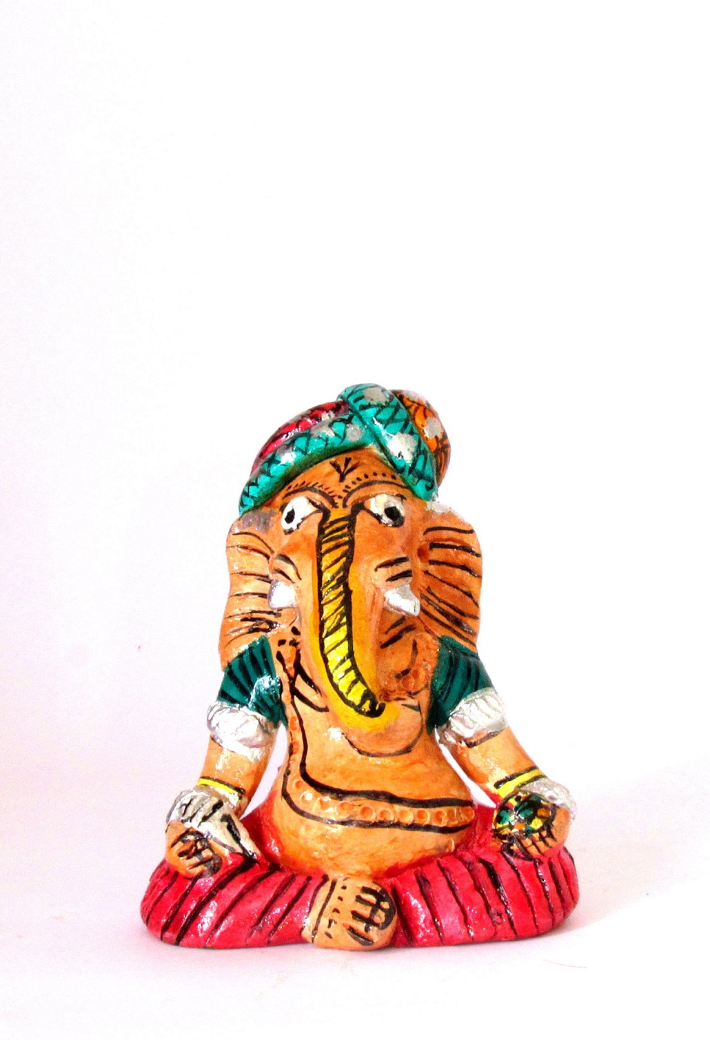 Handcarved & Handpainted Clay Ganapati 9