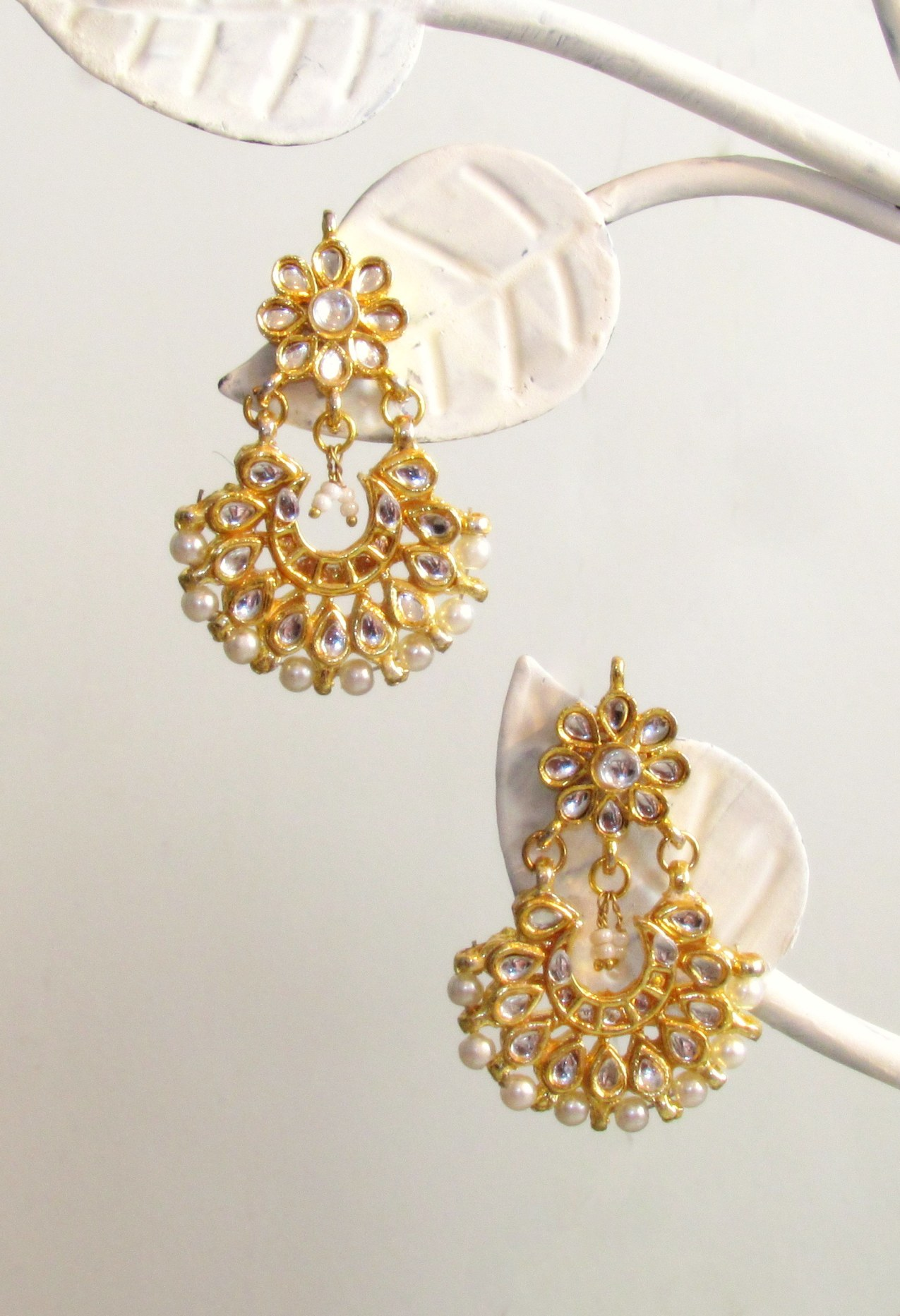 Jadau Flowers Gold Earrings