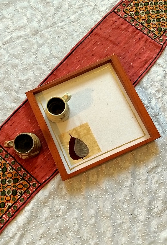 Treepal White Wood and Handpressed Leaves Tray