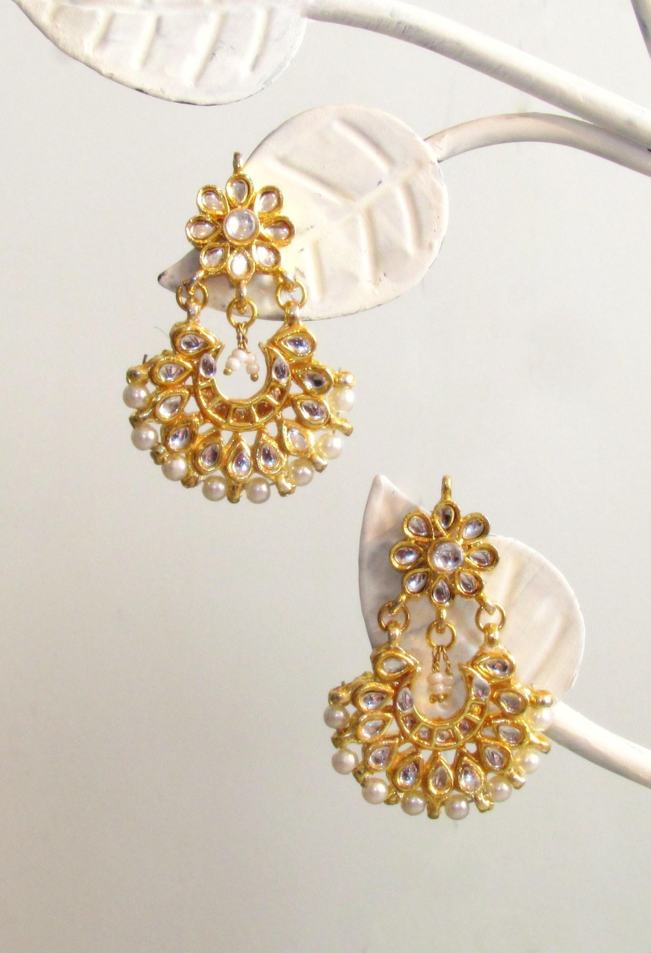 Jadau Flowers Gold Earrings
